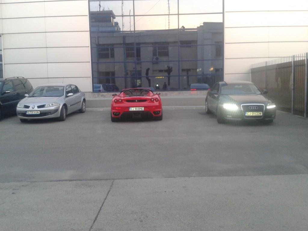 Masina Porsche a lui Bene, parcată la Aeroport (Foto: Luminita Silea)