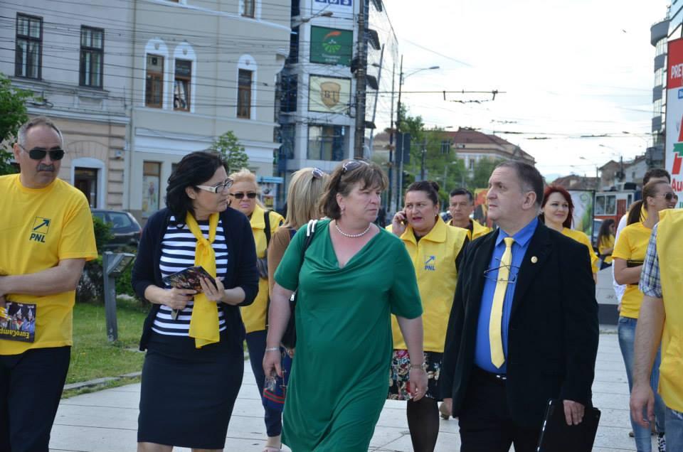norica nicolai europarlamentar si candidat cu parlamentarii PNL de CLUJ