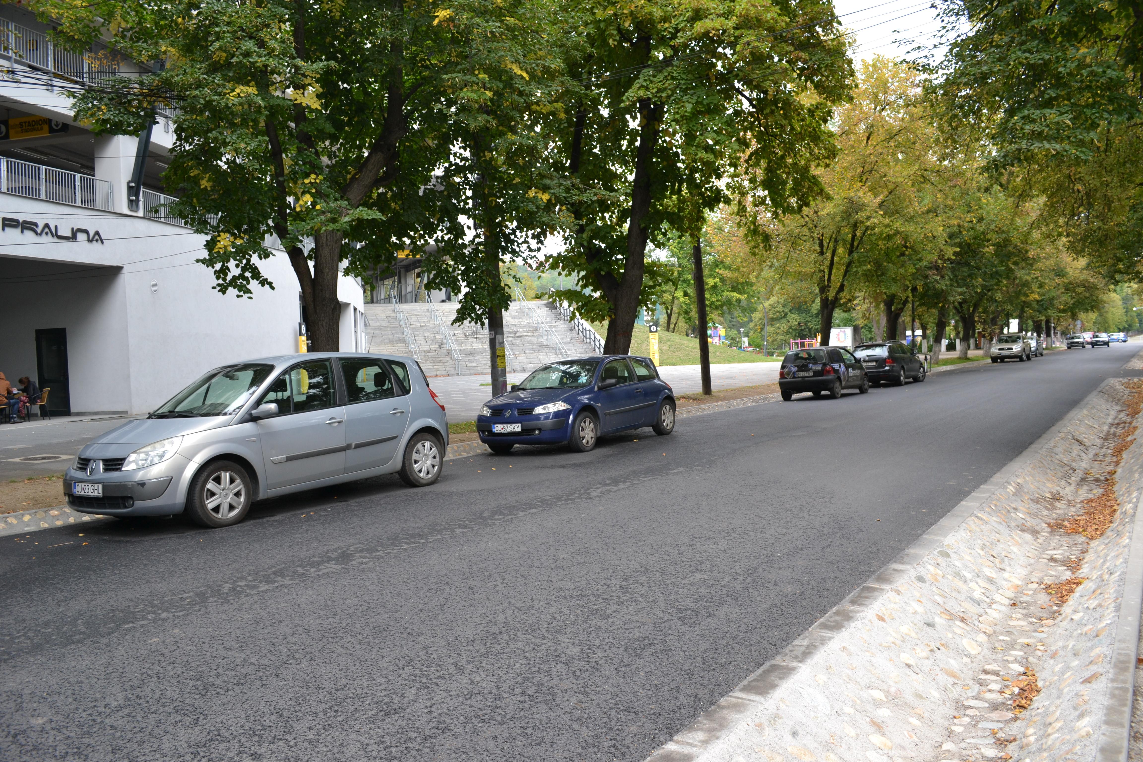 foto: Mihai Hendea Aleea Stadion transformată în parcare supraterană