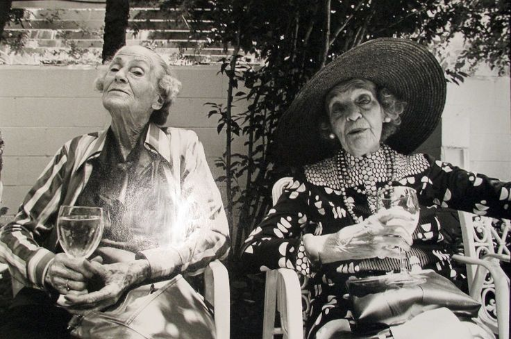 Two Women, Charleston - photo by Sylvia Plachy