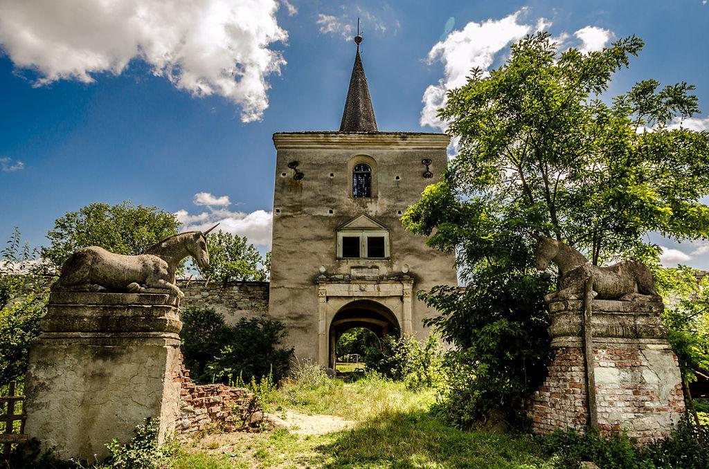 Intrare_castelul_Kornis